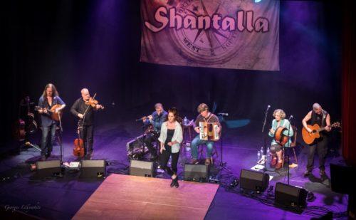 Op 23 november Geschenkenmarkt met concert Ierse folkband Shantalla